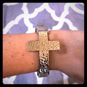 Jewelry - Hammer cross leather bracelet